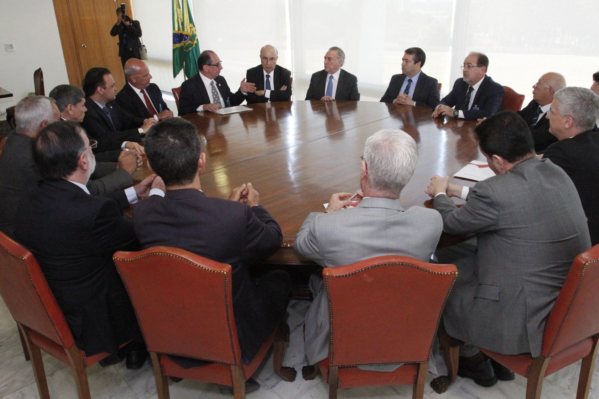 Roberto Santiago e dirigentes da UGT se reúnem com Temer para discutir nova legislação trabalhista